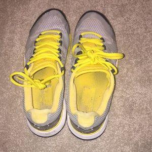 Adidas Stella McCartney tennis shoes 7.5